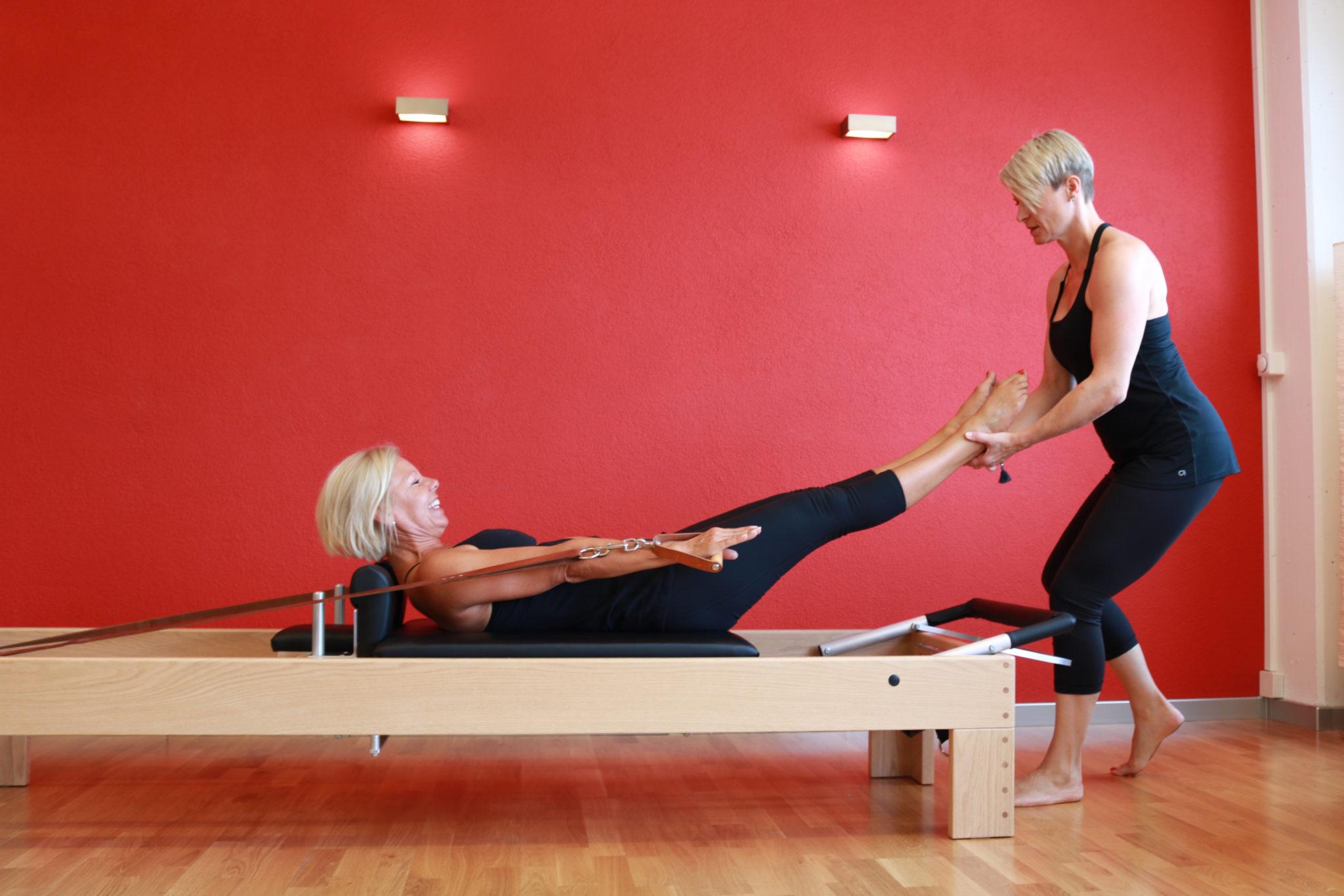 Pilates auf dem Reformer