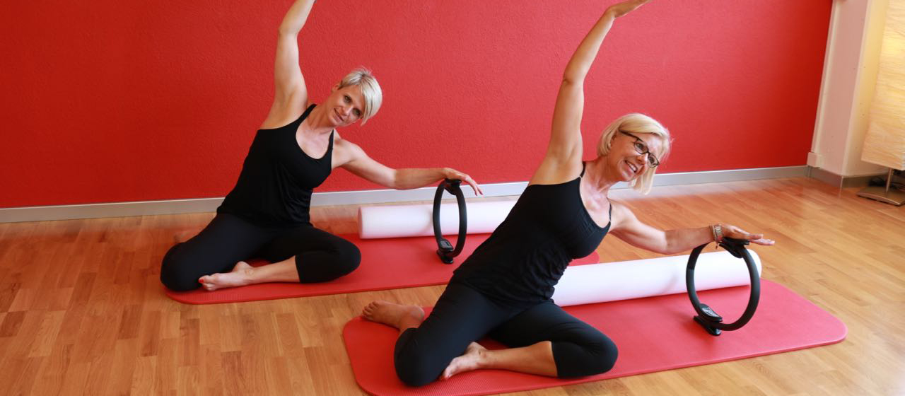 Pilates, Pilates mit Hilfsmittel wie Magic Circle und Foam Roller, Mermaid