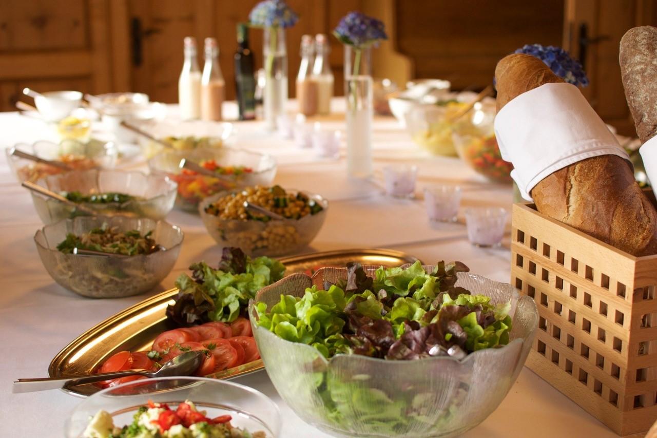 Frisches Essen im Stelserhof